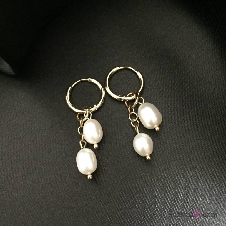 Orecchini cerchio oro con perle pendenti