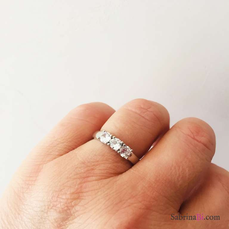 Anello regolabile Trilogy argento 925 Zirconi bianchi mm 4