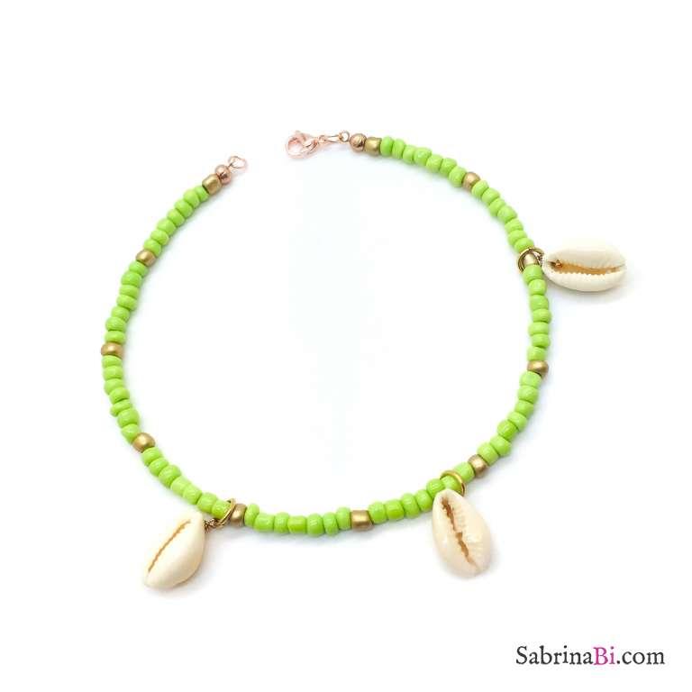 Cavigliera perline verdi e oro con 3 conchiglie