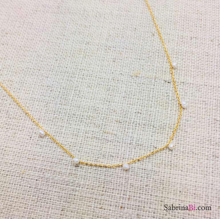 Collana girocollo mini perline bianche