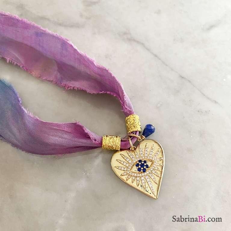 Nastro di seta rosa blu con ciondolo Cuore Occhio Zirconi e Sodalite