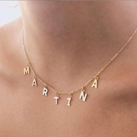 Collana girocollo oro 9K con 10 lettere pendenti